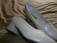 Comfort Plus wide fit beige ladies shoe size 5