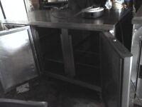 Fosters commercial 2 door counter fridge