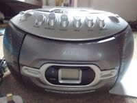 Tape, radio and CD player Boombox. As new. In good condition.