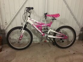 Girl's Magna Sparkler mountain bike suit 8-11 and pink helmet
