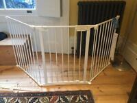 Babydan flexifit stair gate / hearth gate. Perfect for wide doorways/stairways/fireplaces