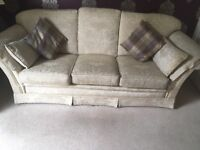 Stunning cream 3 piece suite - high quality - used but good condition - collection only