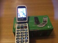 Dora 612 easy to use camera internet etc new Vodafone SIM card