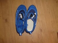 sea shoes size 5 used