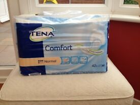TENA COMFORT INCONTIENCE PADS SIZE NORMAL - 1 PACK OF 42 NEW