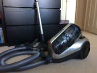Hoover RE71 bagless - full working order and accessories