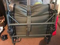 SKS 3leg bed chair