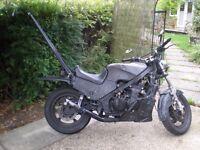 1985 Kawasaki GPZ 600R Rat Bike Long MOT
