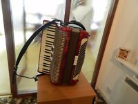 Accordian , Honer Carina 120 bass all new leather straps soft case