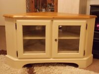 SHABBY CHIC CORNER TV CABINET PAINTED IN ANNIE SLOAN OLD OCHRE (CREAM)