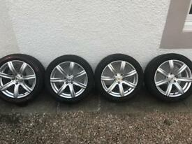 VW T5 Van Alloy Wheels (1 damaged) 18""