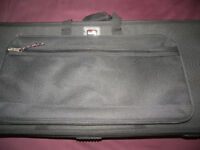 Gator GK-76 / GK76 , 76 Note Lightweight Keyboard / Synthesizer Case On Wheels.
