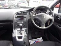 PEUGEOT 5008 1.6 e-HDi FAP Sport EGC 5dr Auto (black) 2011