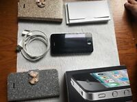 Iphone 4 in black 16gb