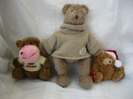 Bundle Of 10 Soft Toys & a Plastic Pink Head-Dress