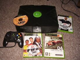 XBOX ORIGINAL WITH GAMES