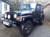 Jeep Wrangler Sahara 4L Soft Top