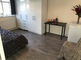 @@ Willesden Green@@ double room available from 28th.... all included!!