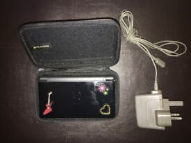 Nintendo DS, case & charger