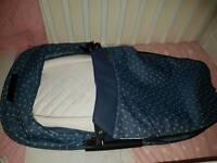 Maxi cosi foldable carrycot Ltd edition white hearts