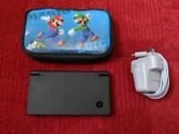 Gameboy Nintendo DSi , black - Mario carry case + Charger VGC