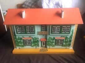 Vintage Beegees Dollshouse