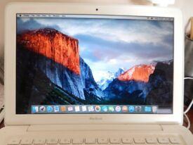 Apple MacBook 2010 edition, 4gb Mem 240gb Crucial ssd, DVD slot, Neat Bag, Software DVDs