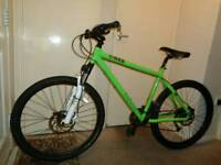 Genesis ( core 30) hydraulic disc brakes mountain bike ( shimano deore)