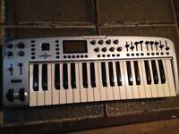 M-Audio Ozonic Firewire interface & 37 key midi keyboard / controller