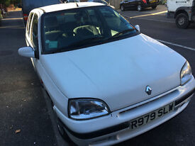 Mark 1 Clio good liitle runner MOT until28/04/2018 low mileage for year
