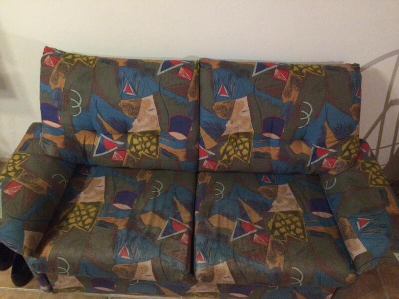 zweisitzer ausziehcouch bunt in bayern metten zu verschenken ebay kleinanzeigen. Black Bedroom Furniture Sets. Home Design Ideas