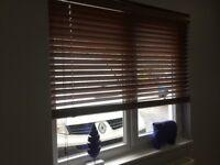 2 wood Venetian blinds