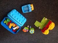 Mega Blocks 60 pc set with extra farm house & truck & In the Night Garden Characters in BS3