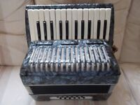 Barcarole accordion, 12 bass ideal for student, made in germany