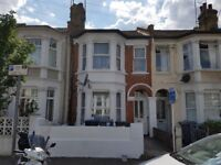 Bright Modern 2 Double Bedroom - First Floor Flat - Willesden Green - Newly Decorated