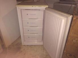 **ICELINE**UNDERCOUNTER FREEZER**4 DRAWS**£55**GOOD CONDITION**COLLECTION\DELIVERY**NO OFFERS**