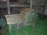 Small Chicken, duck, guinea pig or small rabbit hutch with small run