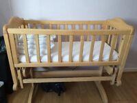 Gliding crib