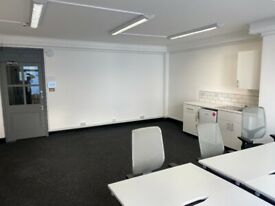 Covid Flexible Contract - Furnished Private Office Space 10-14 Desks & Private meeting room - *Soho*
