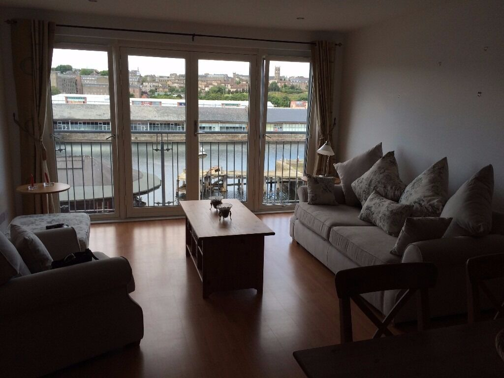 Waterside, Fully Furnished, 2 Bedroom, Luxury Flat at City Quay w/Parking