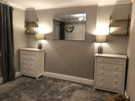 Chest of drawers like new x2