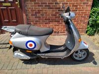 2004 Vespa ET4 50cc scooter, new 12 months MOT, good little runner, cheap insurance, ride away 50
