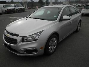 2016 Chevrolet Cruze LT Auto AIR Back UP CAM Remote Start Sunroo