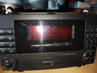 MERCEDES VIANO/VITO RADIO / CD PLAYER