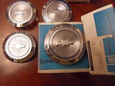 NOS Corvette Chevelle Camaro Center Hub cap Ornaments GM #3964515 Rally wheel