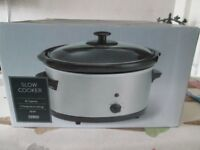 NEW AND BOXED TESCO 3LTR SLOW COOKER