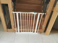 Safety gate Lindam easy fit plus deluxe 75-82cm £10