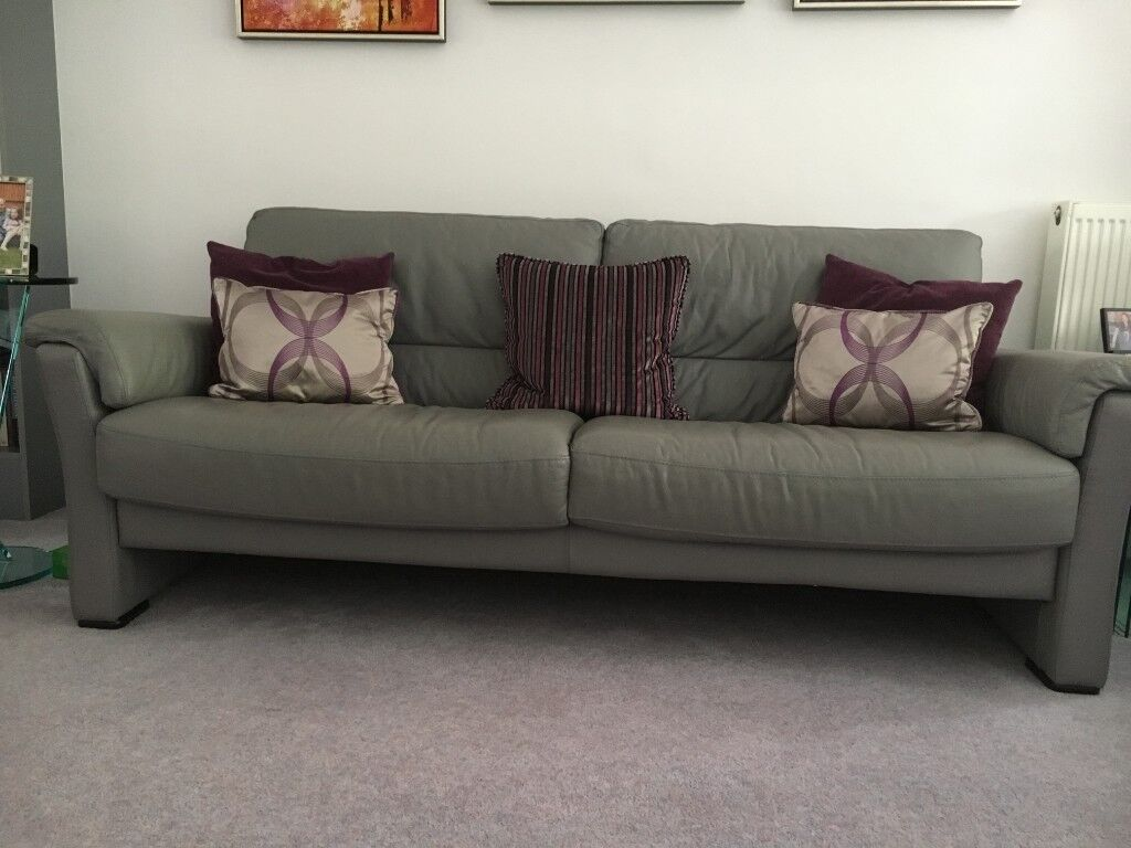 Beautiful leather suite comprising 3 seater, 2 seater, 2 armchairs, 1 footstool