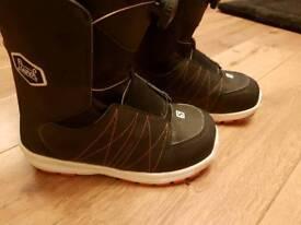 Youth Salomon Launch Boa Snowboard Boots UK 4.5