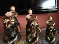 Victorian Graguated Mijolica jug bears